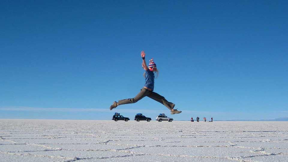 Salar De Uyuni Jumping-over-Cars